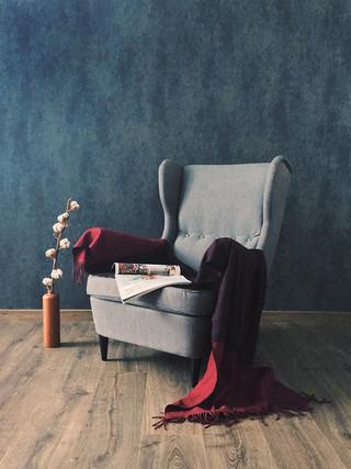 42. Кресло