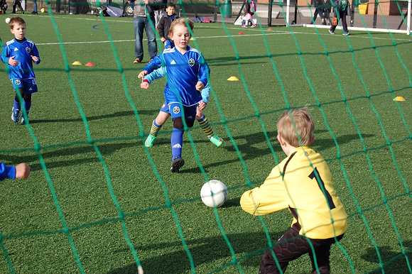 Finchley Football Camps - 9am start (ages 5+)