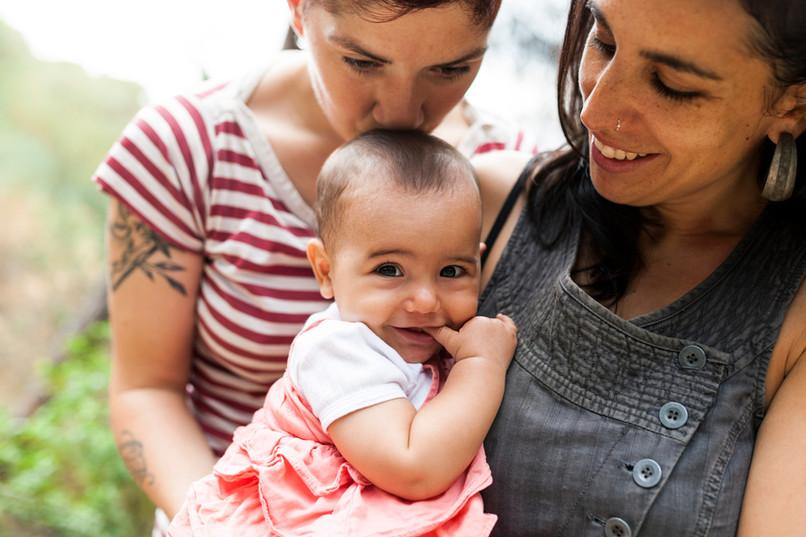 Casal de lésbicas com bebê