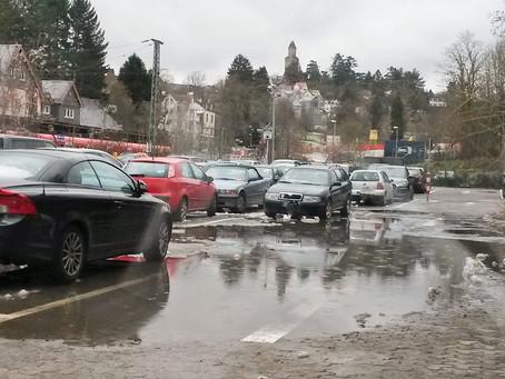 Nachbessern: Gebühren am Parkplatz am Bahnhof sind anzupassen