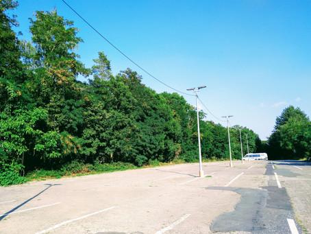 Parkplätze und letzte Grünstreifen erhalten