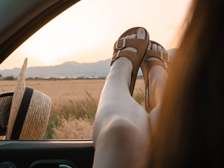 3 Best Travel Shoes for Women in Italy