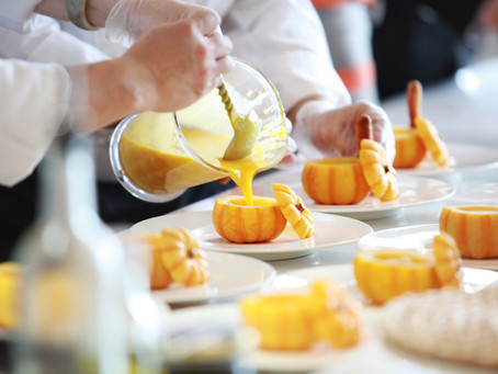 4 Ways on How to Choose the Perfect Wedding Caterer for Your Wedding in 2020