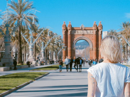 4 Ways To Avoid Looking Like A Tourist In Barcelona