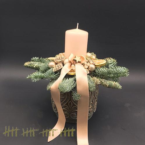 Adventgesteck creme gold mit Stumpenkerze