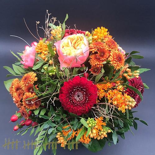 Blumenstrauß saisonell