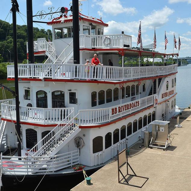 Docked River Queen.jpg