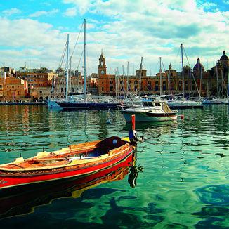 Dghajsa in Vittoriosa Marina