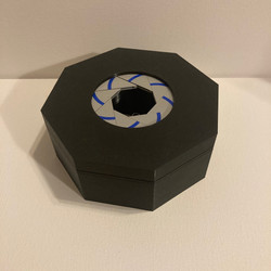 Mechanical Iris Box