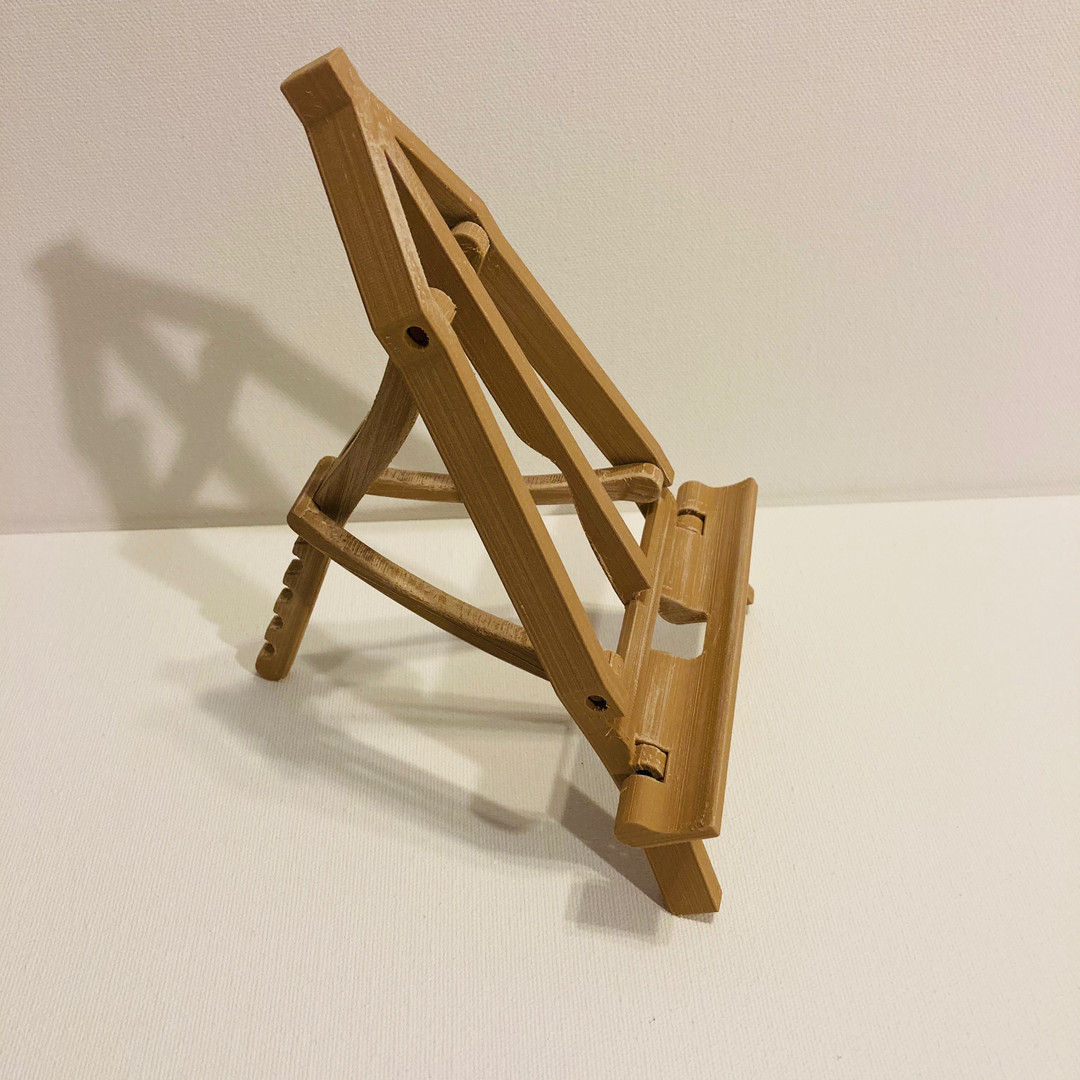 Easel at Most Relaxed Angle