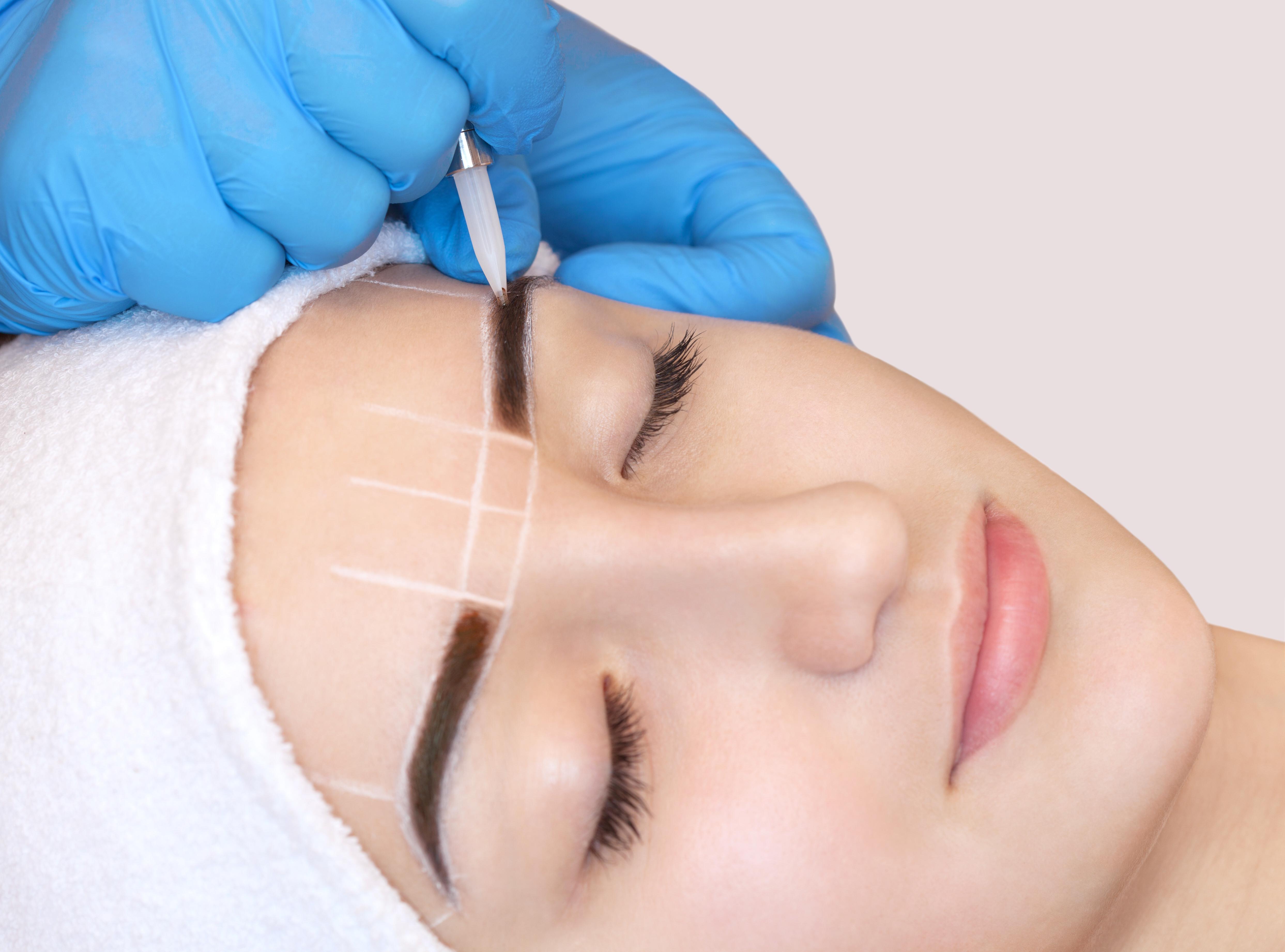 3D Eyebrow Contours