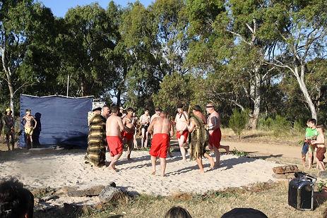 Kirrip Wayapa mens and boys group