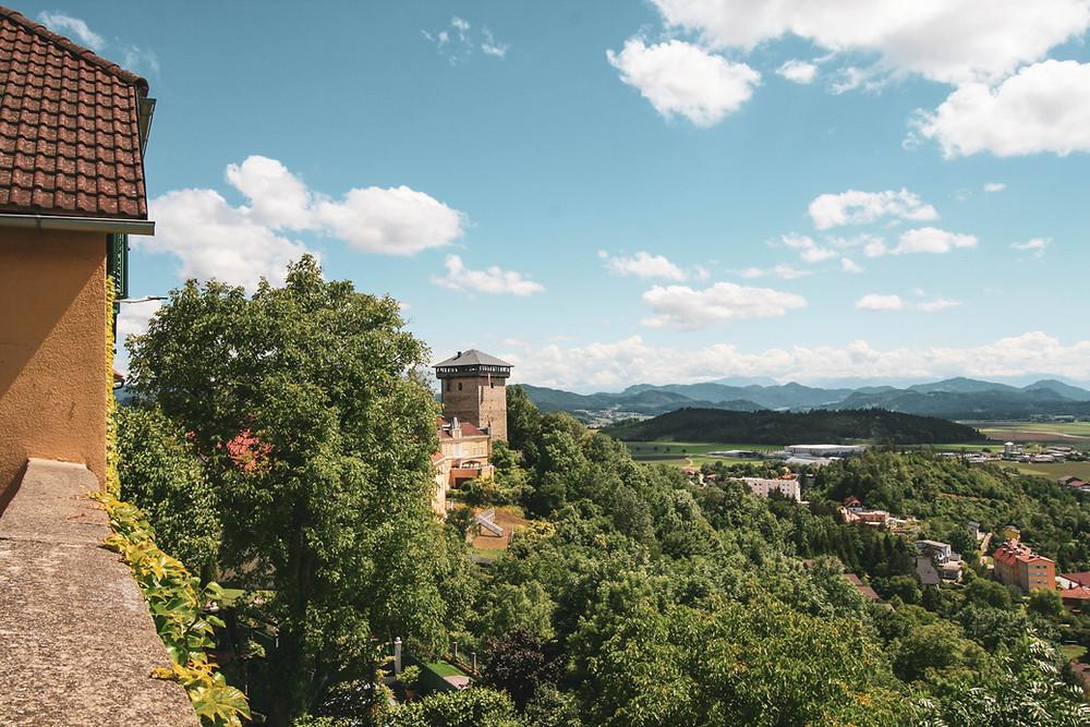 Der 'Annenturm' gilt als weithin sichtbares Wahrzeichen von Althofen