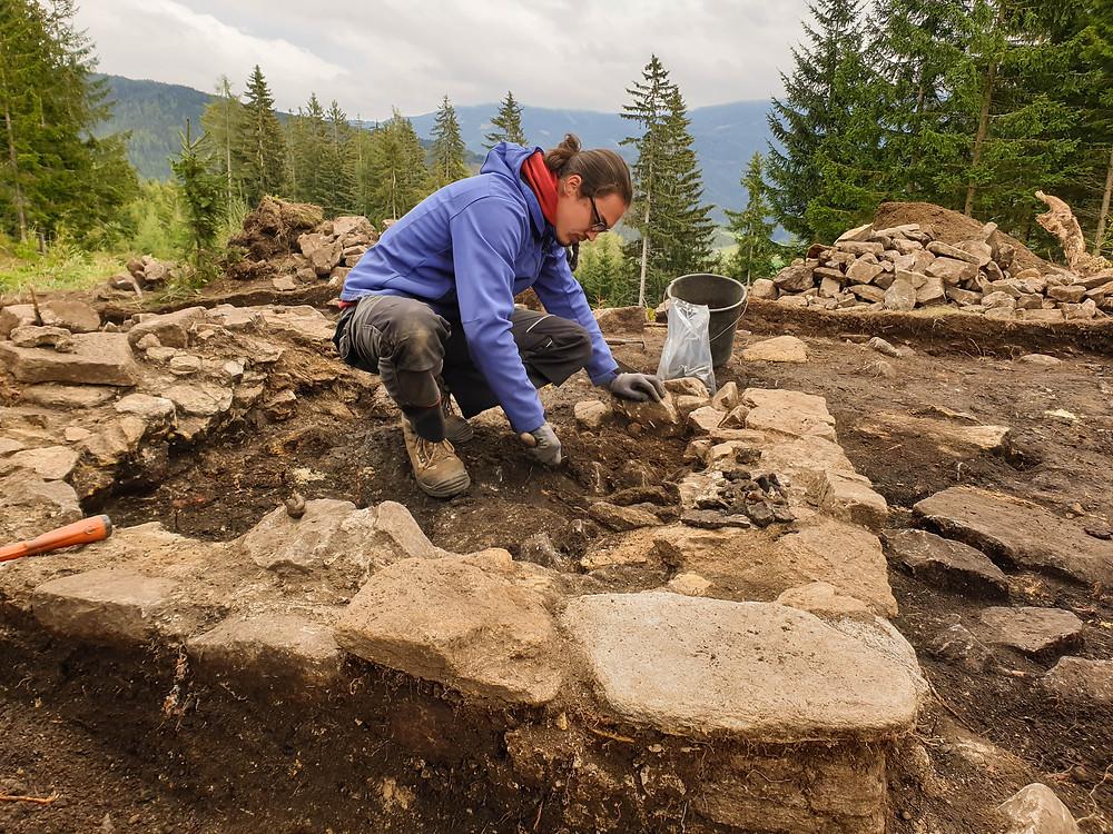 Zum Grabungsteam des archäologischen Vereins ISBE zählen auch Studenten aus Wien und Graz.