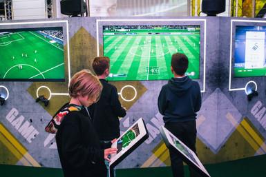 94-–-Golden-goals-foreground,-EA-Sports-