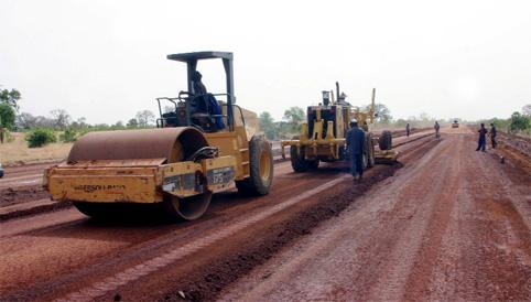 route-goudronne-troncon-voie-chantier-travaux
