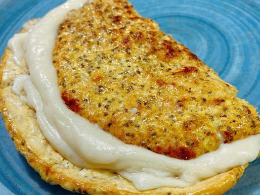 Panqueca de aveia com queijo de castanhas