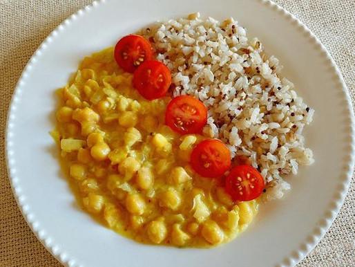 Grão de bico ao curry com leite de coco!