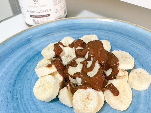Banana com pasta de castanha de cajú