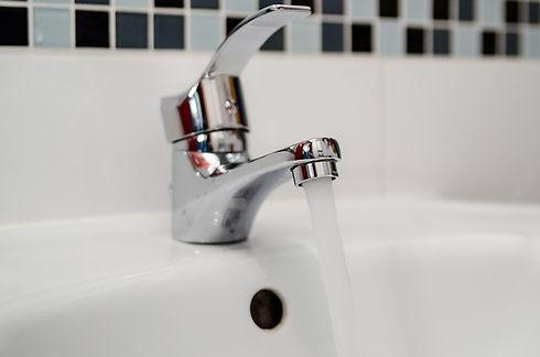 plumber-2788336_640.jpg
