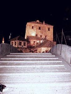 Stari Most, Vieux pont Mostar vu sur quartier Ottoman, Balkans discovery tours