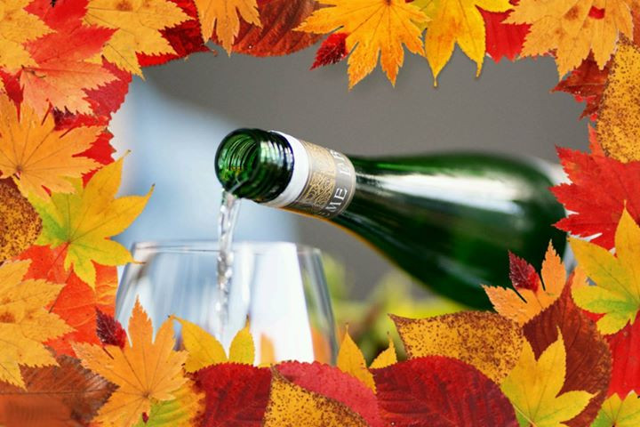 Champagne with Autumn leaf border