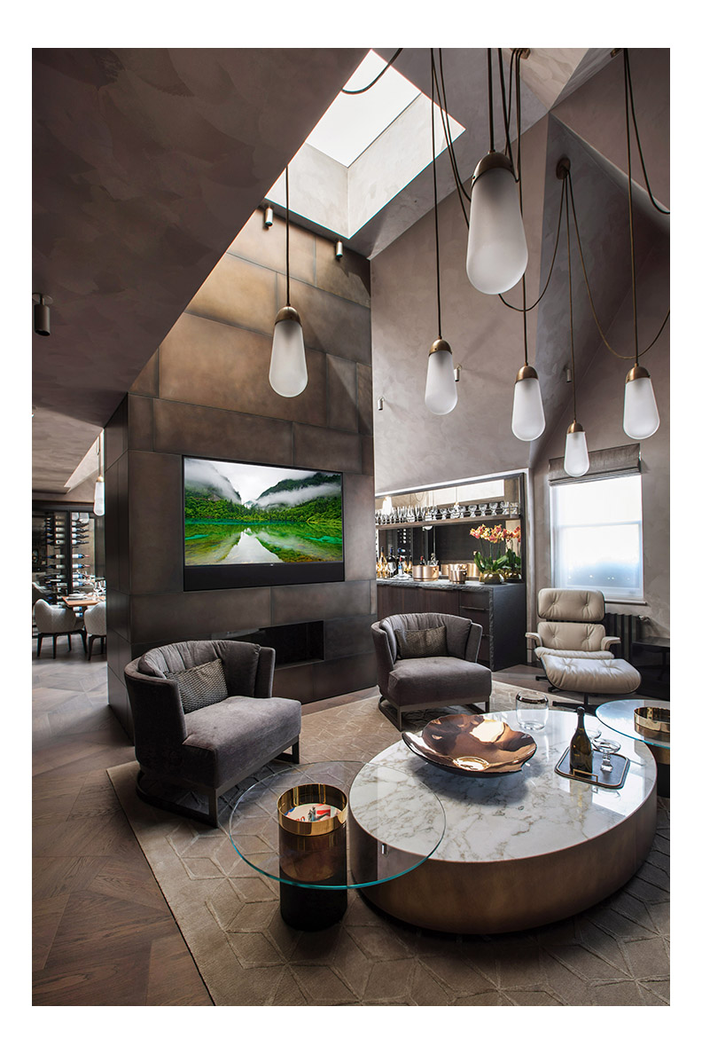 Knightsbridge Apartment.