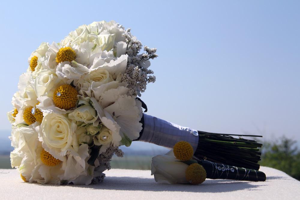 Poročni šopek-vrtnice in hortenzije