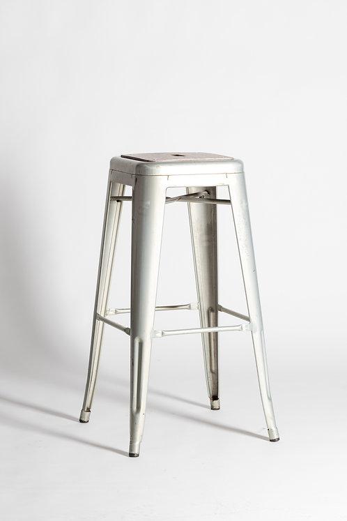 Visok kovinski stol v srebrni barvi