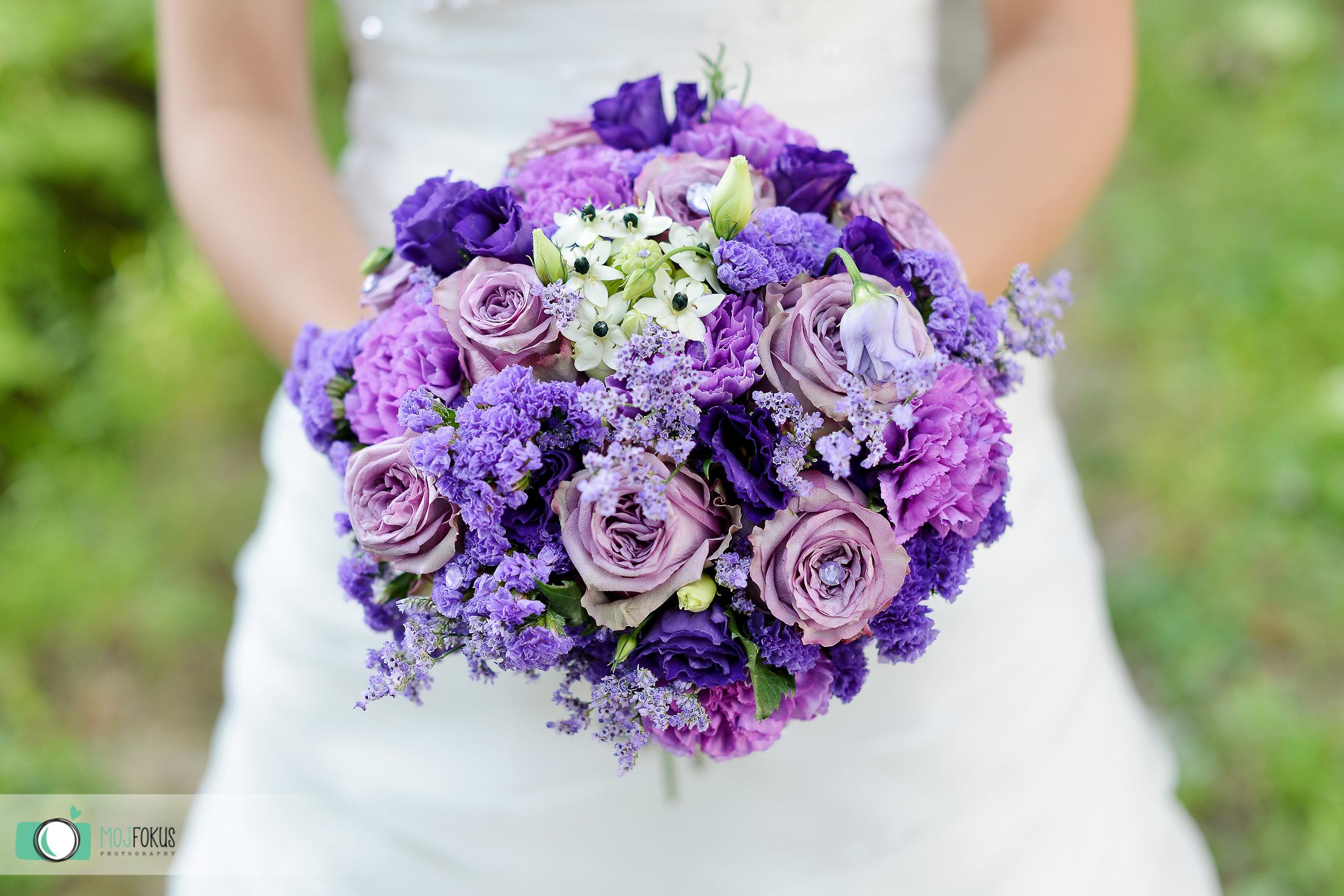 Poročni šopek-vijoličen