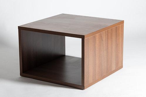 Nizka kvadratna lesena miza (kocka)