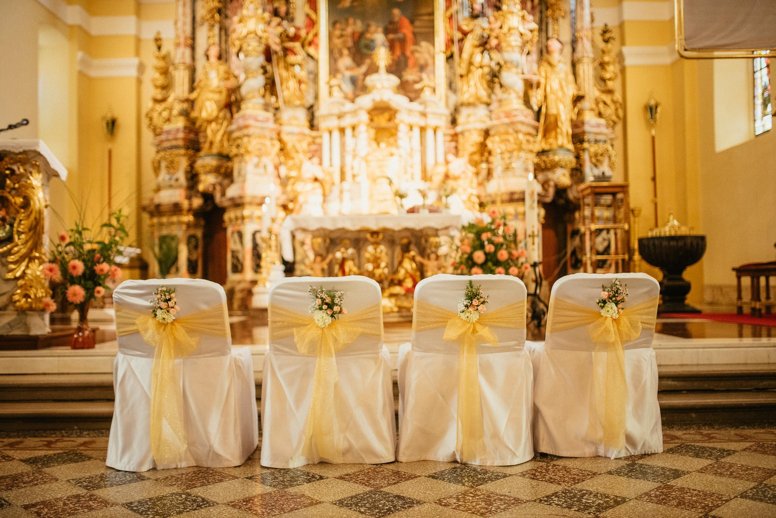 Dekoracija cerkve