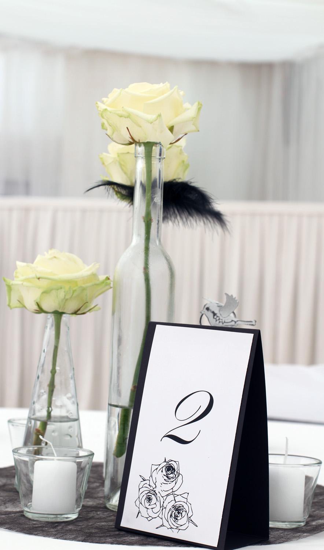 Črno-bela poročna dekoracija