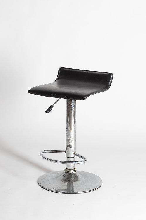 Visok oblazinjen barski stol (kvadraten)