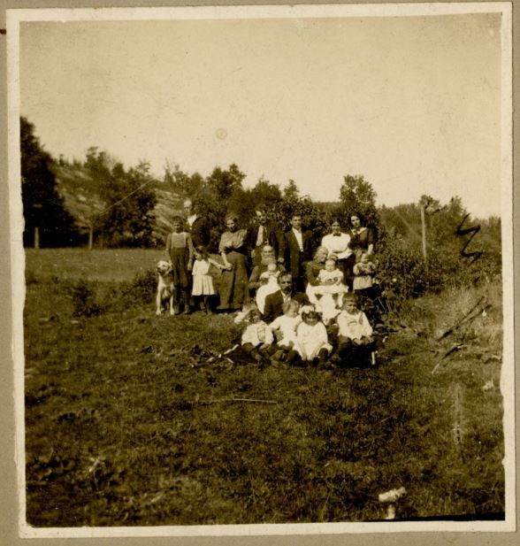 Wm Goodwin Kingshott Family Portrait.JPG