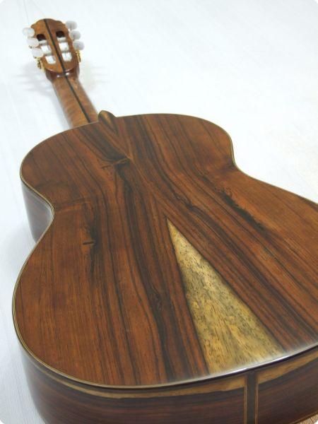 нижняя дека гитары