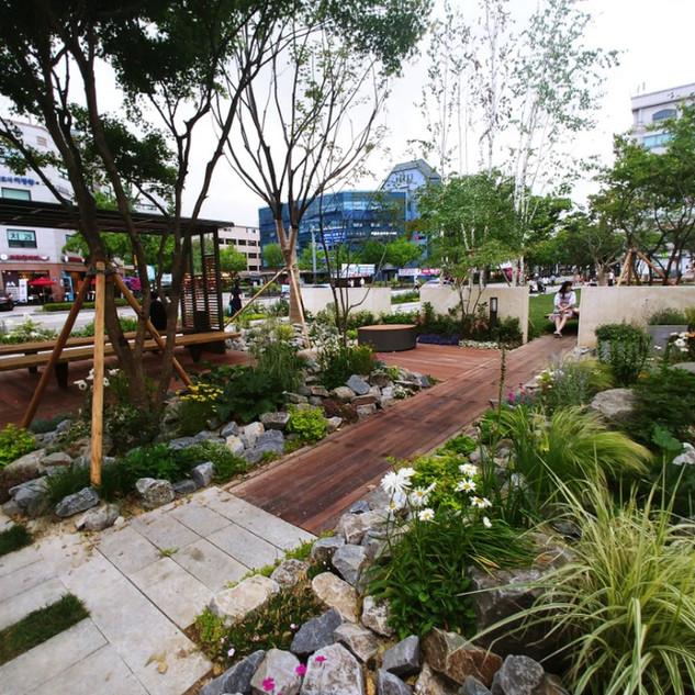 Gangdong-gu office garden
