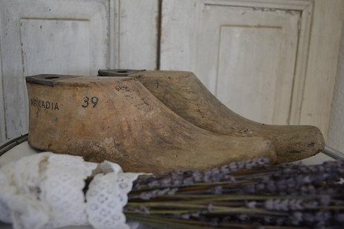 Set houten schoenen mal (lees)