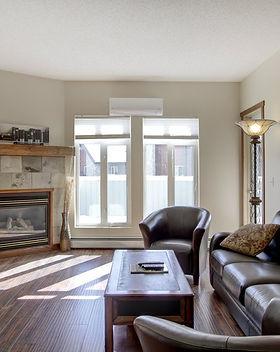 310 Livingroom1.jpg