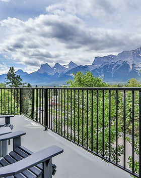 Deck With 180 Mtn Panaramic View.jpg