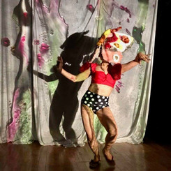 真夏のエロの夢_Dancer:タカダアキコ