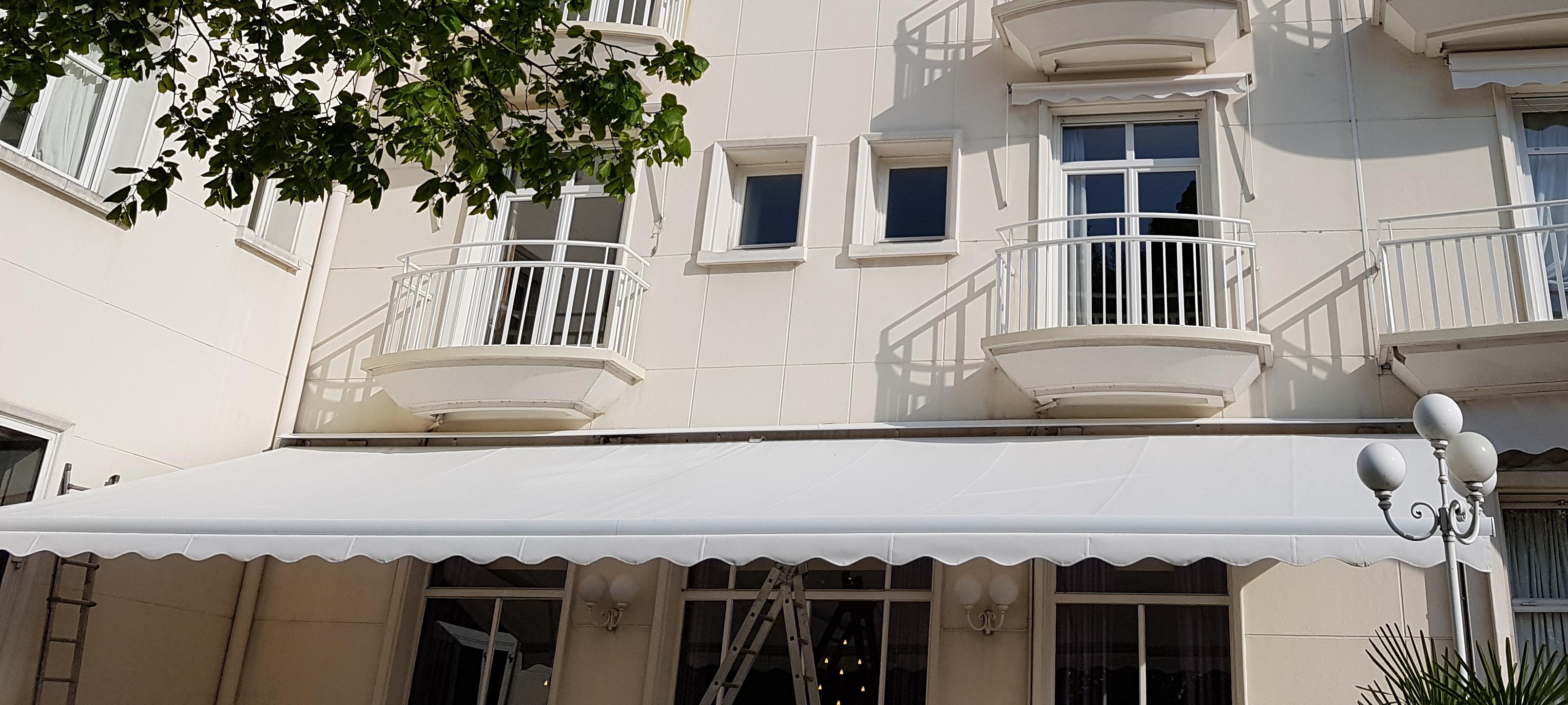 IDS 60 -store grand hotel
