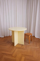 Round Table 850 Pale Yellow