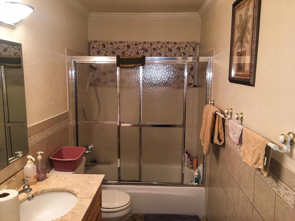 Bathroom-%2520Before_edited_edited.jpg