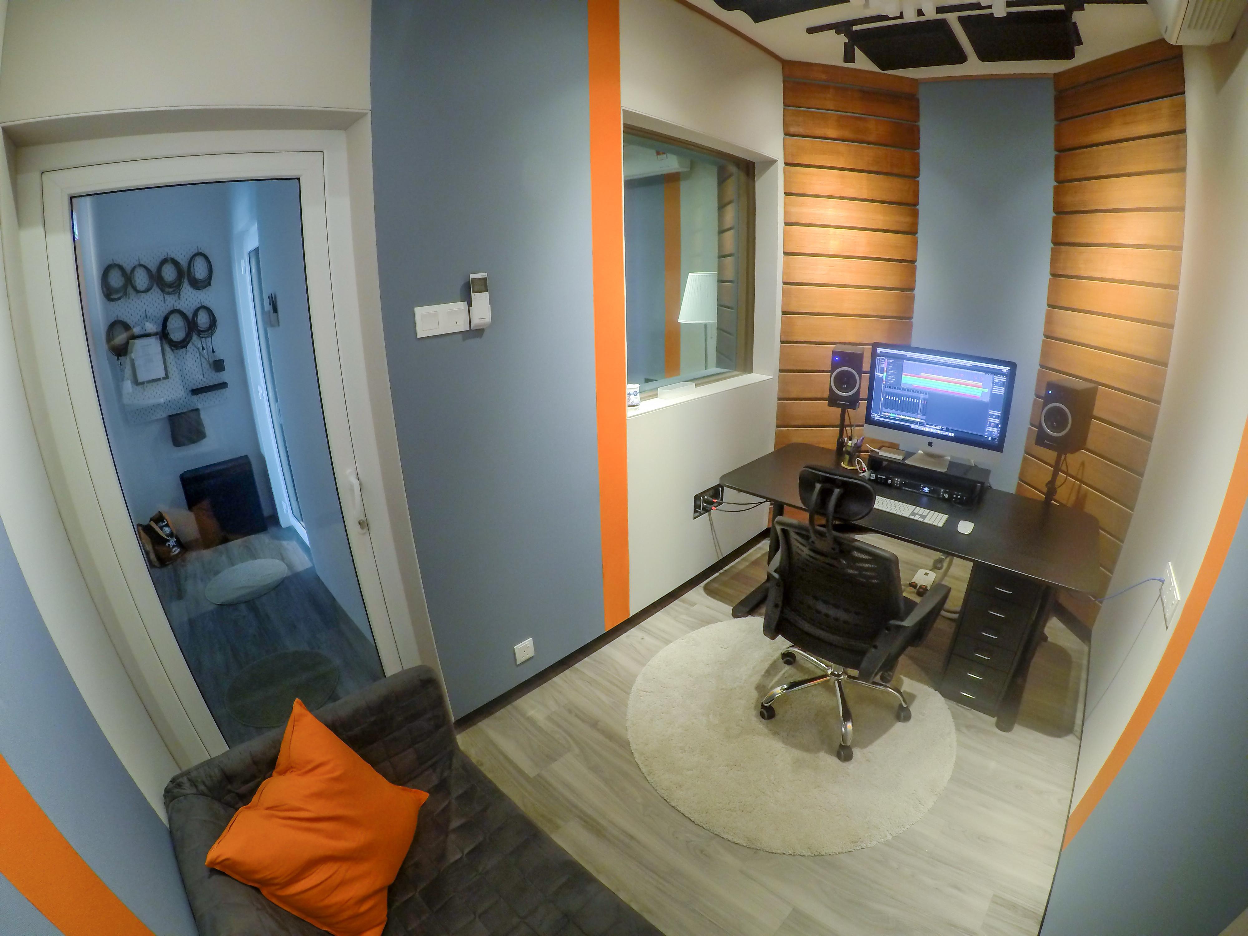 Studio Booking