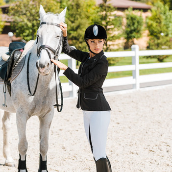 GW | Tips to Choose the Best Riding Breeches for Women