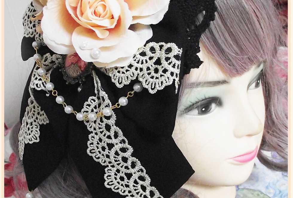 Two ways Golden Floral Lace Brooch