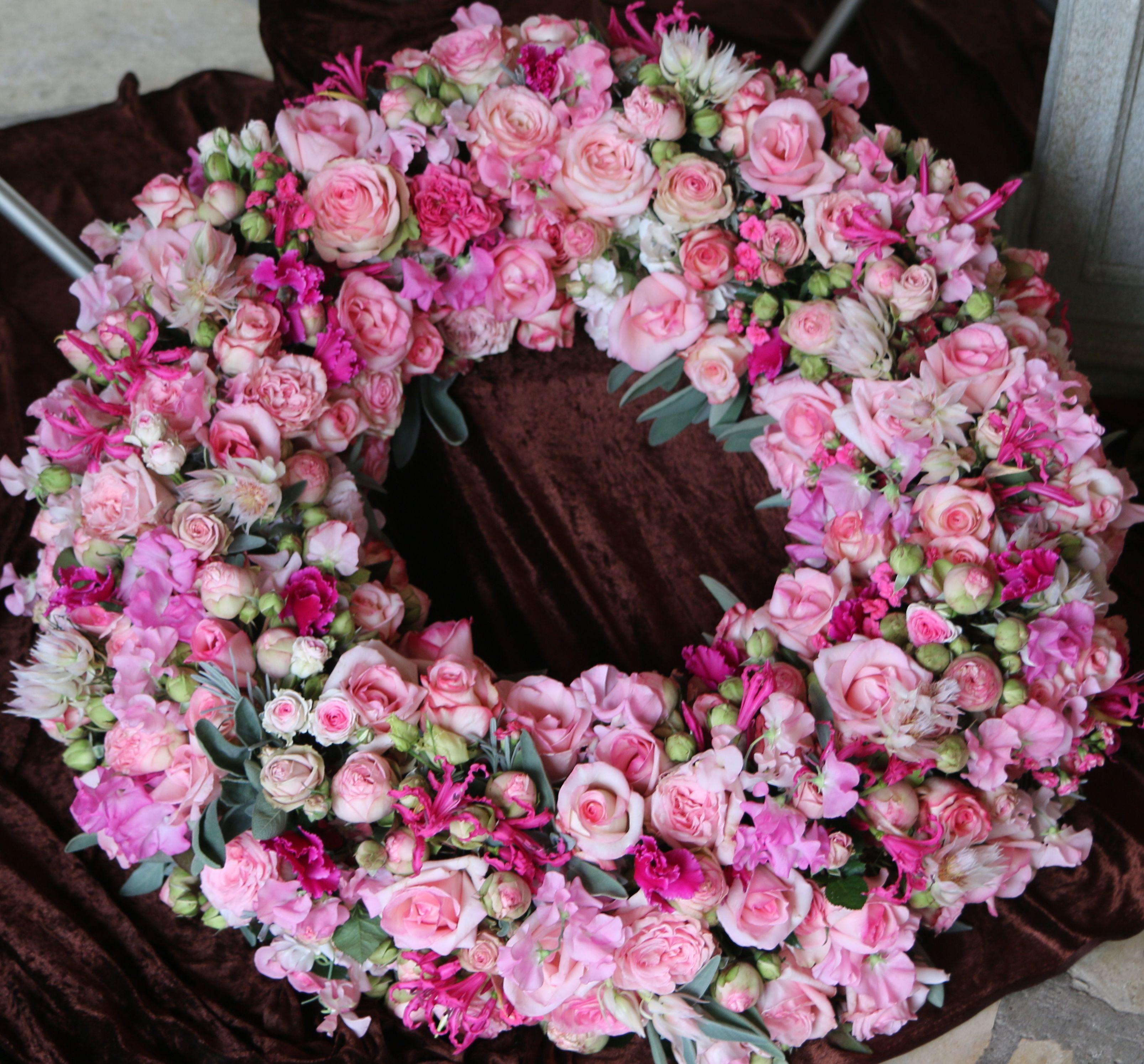 Blumen Bahlmann Trauerkranz rund rosa Rosen