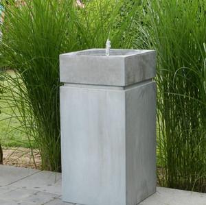 Brunnen Zink Säule