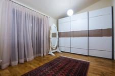 2-Tone Slidding Doors